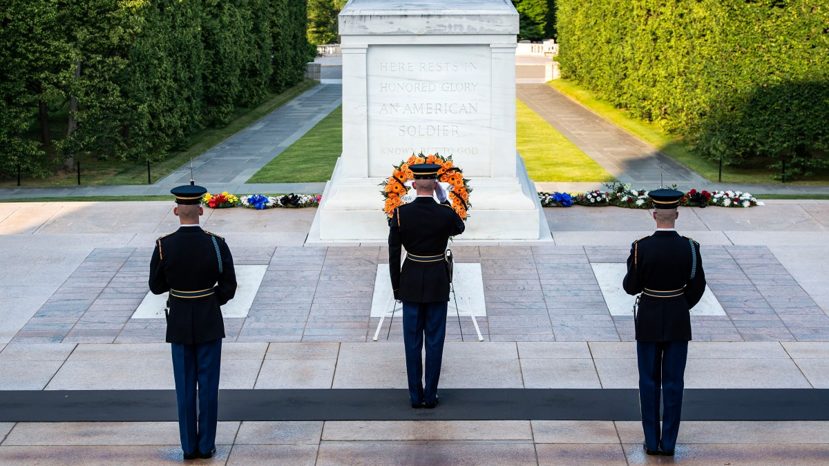 Pilgrimage to the Tomb of the Unknown Soldier ...